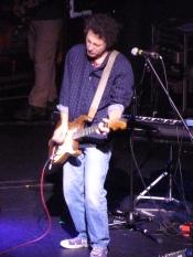 Yo La Tengo, Bataclan 2013, Ira Kaplan on guitar