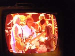 Nel Young & Crazy Horse, Bercy, 6th June, band in TV screen