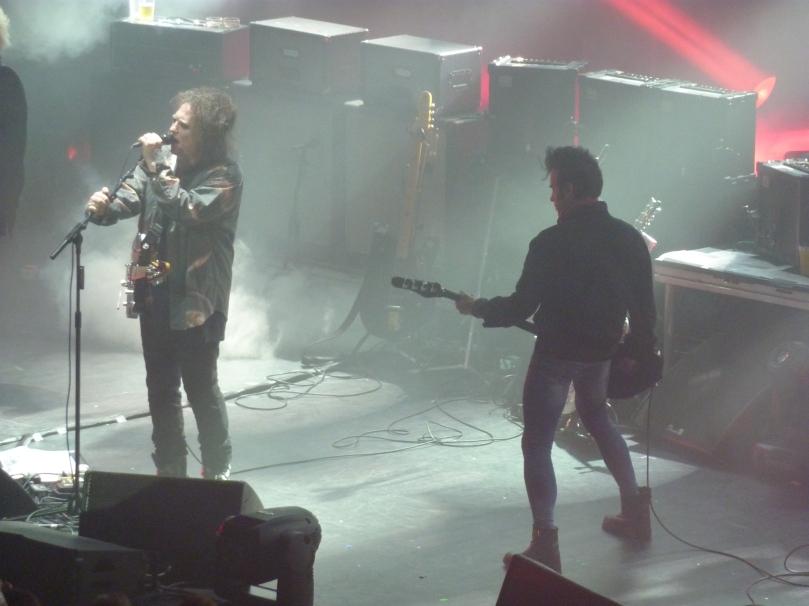 The Cure, London Apollo, 21st December 2014, Robert Smith and Simon Gallup