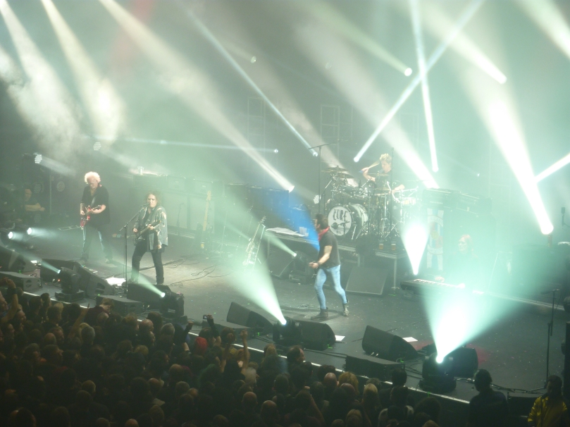 The Cure, London Apollo, 21st December 2014, Full band