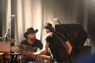Phosphorescent, with drummer