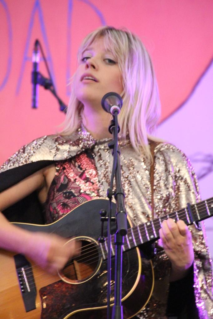Basia Bulat - guitar